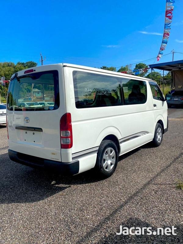 Toyota Hiace 2,5L 2012-6