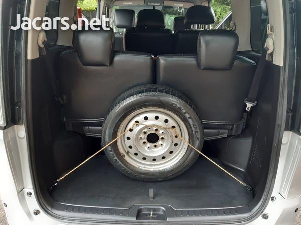 Nissan Serena 2,0L 2014-7