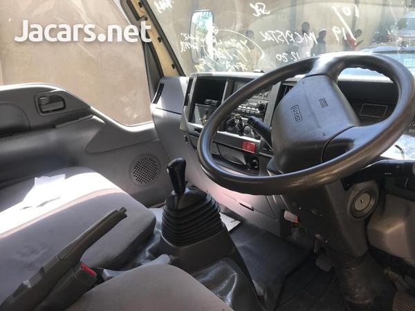 2012 Isuzuz Box Truck-12