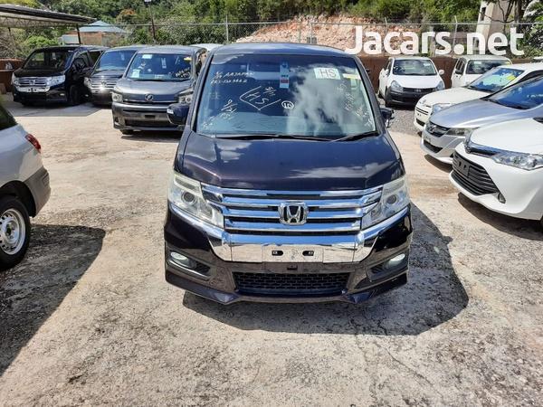 Honda Stepwgn 2,0L 2012-5