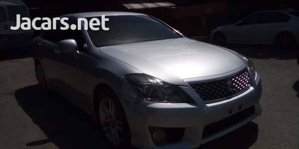 Toyota Crown 2,5L 2010-3