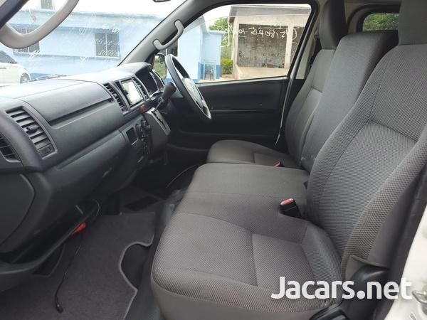 Toyota Hiace 3,0L 2016-9