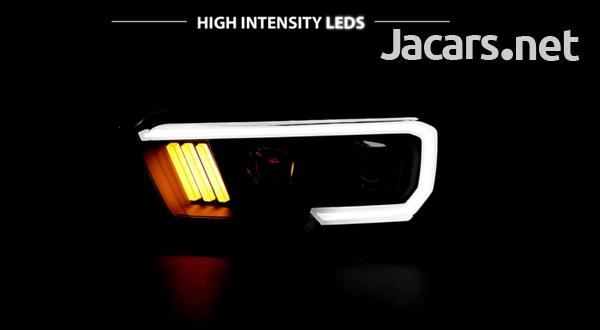 Toyota Tacoma TRD w/LED Bar Black Projector Headlights-4