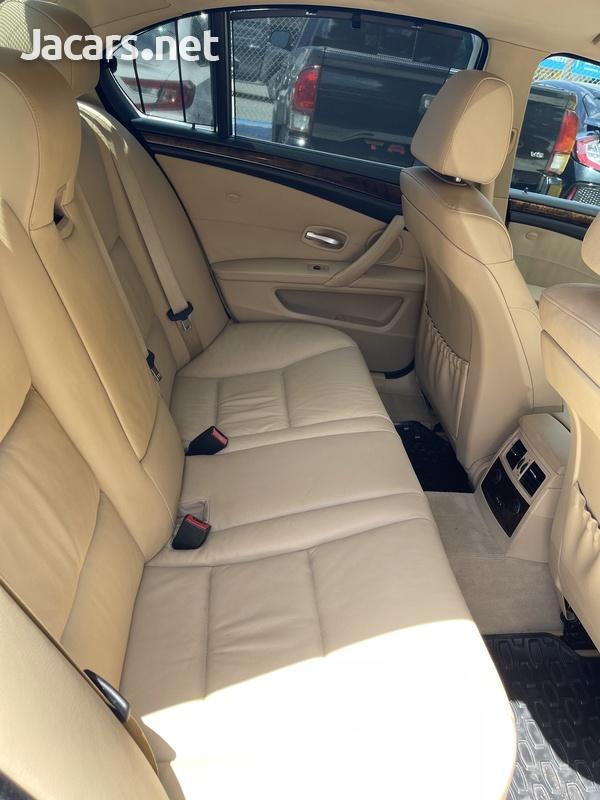 BMW 5-Series 3,0L 2008-7