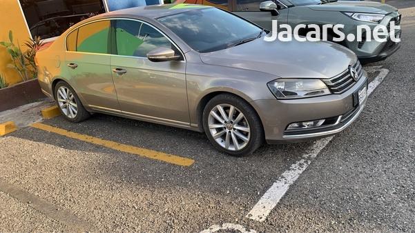 Volkswagen Passat 2,0L 2014-4