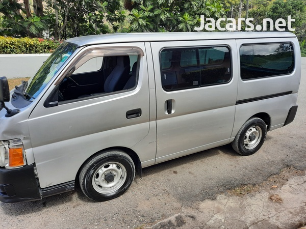 2012 Nissan Caravan-15