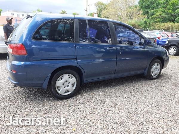 Nissan Liberty 2,0L 2000-2