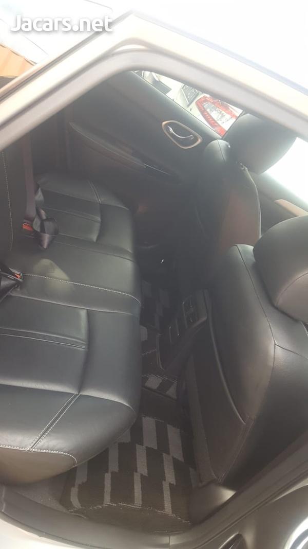 Nissan Sylphy 2,0L 2014-4