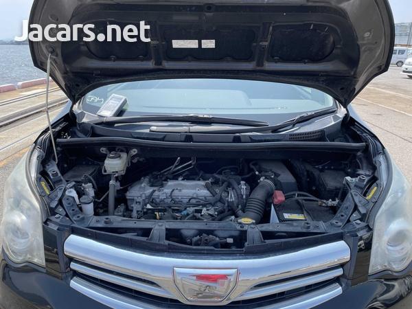 Toyota Noah 2,0L 2013-13