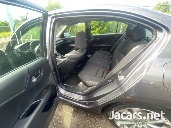Honda Accord 2,0L 2014-7