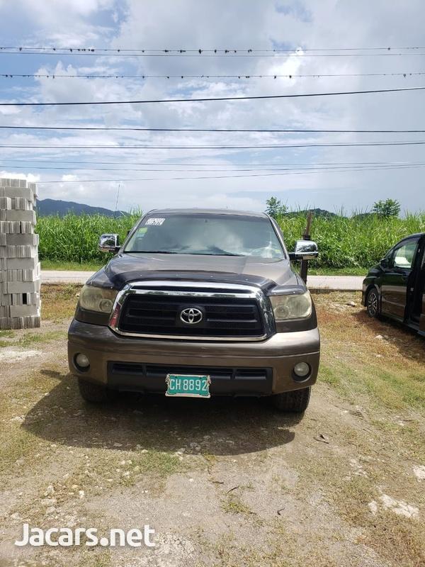 Toyota Tundra 5,7L 2010-1