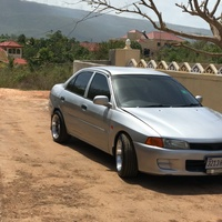Mitsubishi Lancer 1,3L 1997
