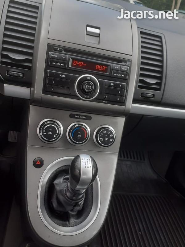Nissan Sentra 1,8L 2012-9