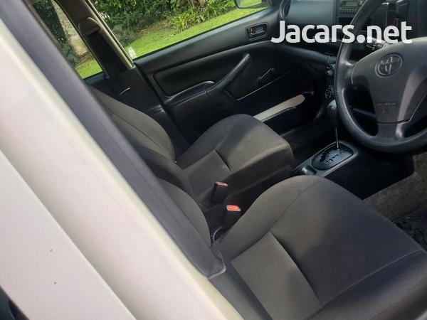 Toyota Probox 1,5L 2016-14