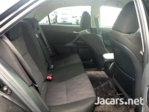 Toyota Mark X 2,5L 2013-12