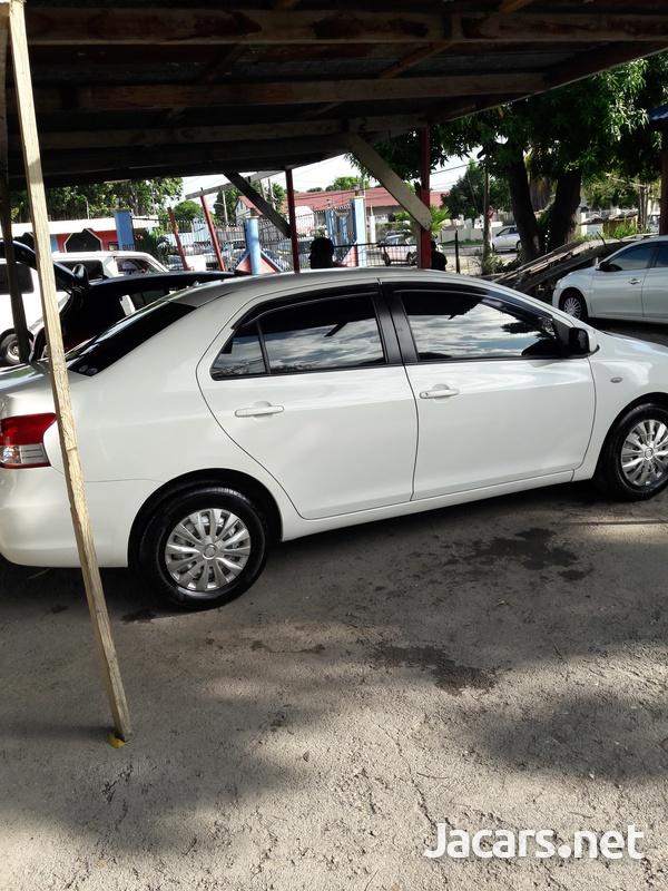 Toyota Belta 1,0L 2009-3