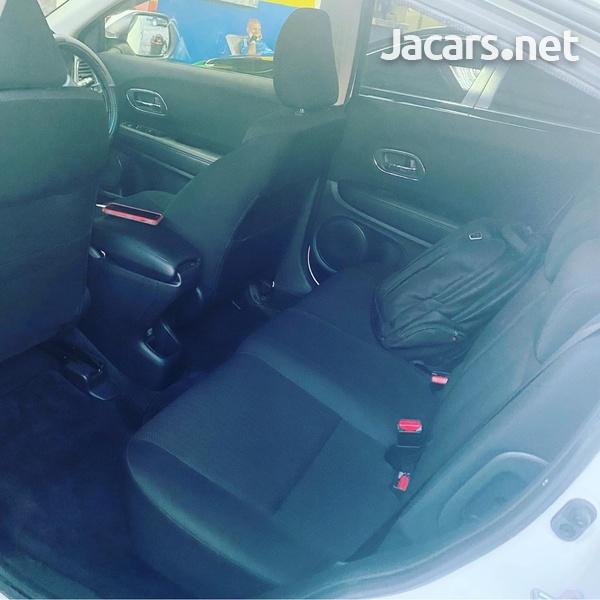 Honda Vezel 1,6L 2015-4