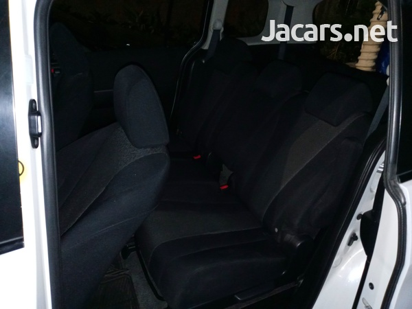 Nissan LaFesta 1,8L 2011-3