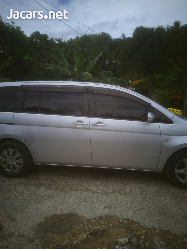 Toyota ISIS 2009 fully automatic 750,-5