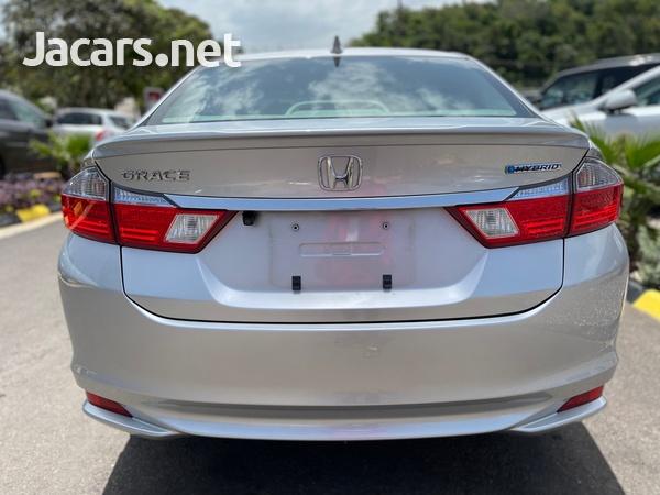 Honda Grace 1,4L 2015-5