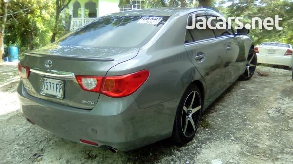 Toyota Mark X 6,0L 2010-1