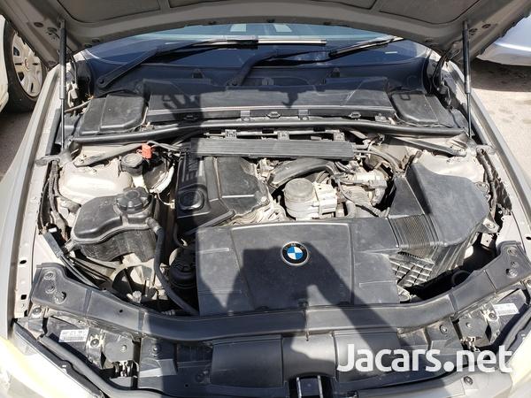 BMW 3-Series 2,0L 2010-6