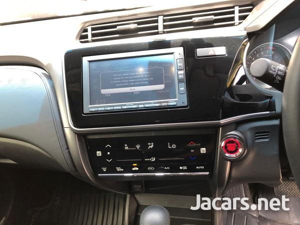 Honda Grace 1,5L 2019-6