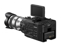SONY FS100 HD CAMERA WITH 18-200mm lens, 2 batteries