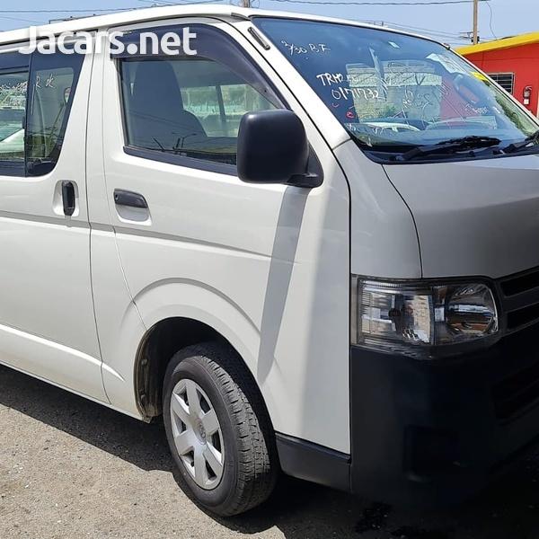 Toyota Regius 2,0L 2013-7