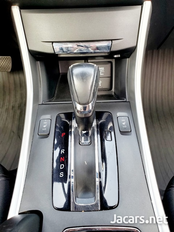 Honda Accord 2,4L 2015-12