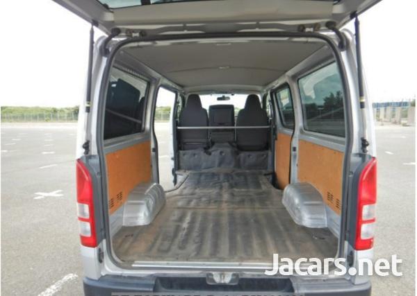 2017 Toyota Hiace Bus-6