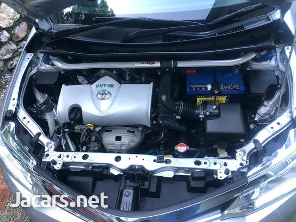 Toyota Fielder 1,6L 2015-8