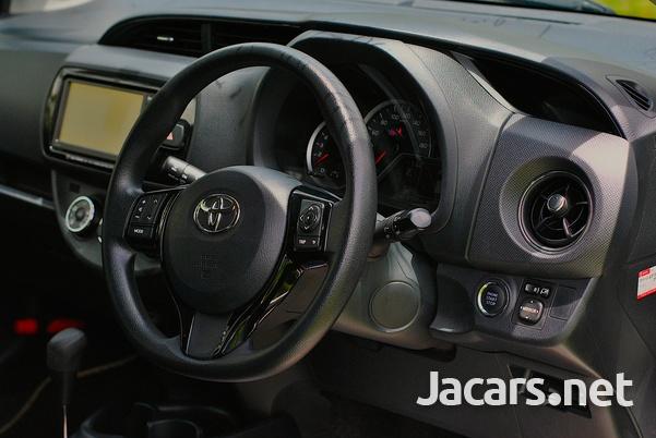 Toyota Vitz 1,3L 2016-5