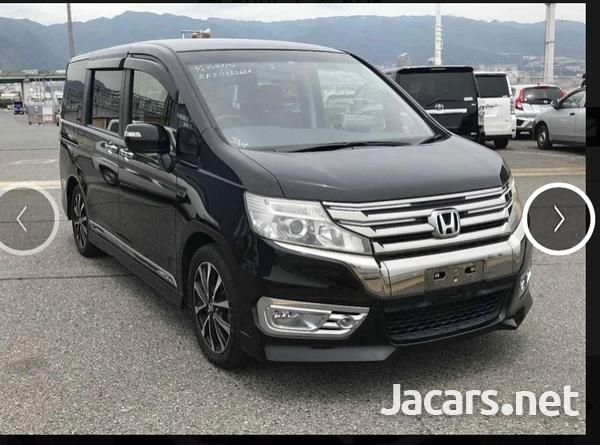 Honda Stepwgn Spada 2,0L 2012-1