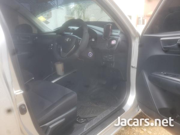 Toyota Fielder 1,5L 2015-7