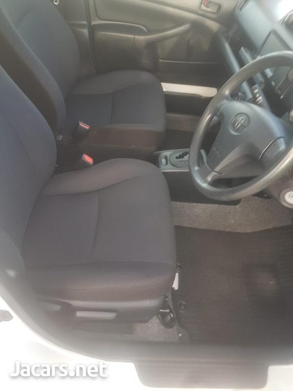 Toyota Probox 1,3L 2016-3