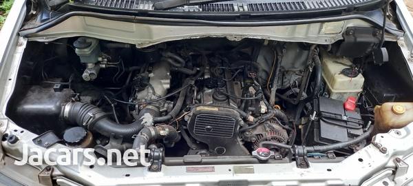 Toyota Noah 2,0L 2000-12