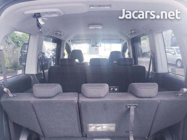 Honda Stepwgn Spada 2,0L 2012-8