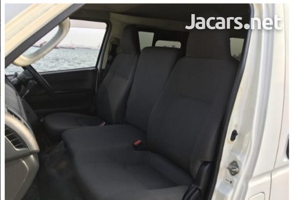 Toyota Hiace 2,0L 2015-10