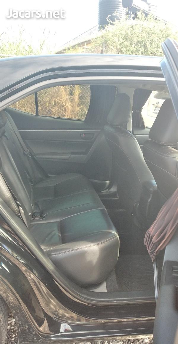 Toyota Corolla Altis 2,0L 2014-6