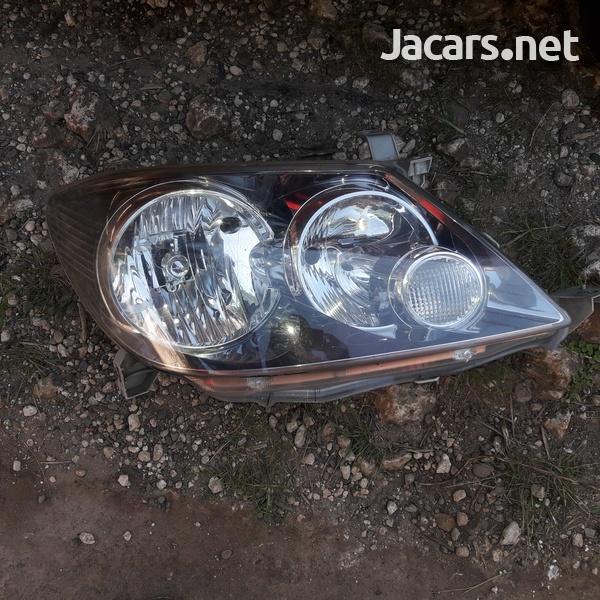 Toyota Fortune headlight-2