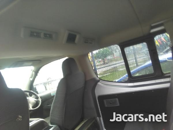 Nissan Caravan 2,0L 2013-6