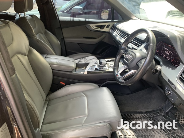 Audi Q7 3,0L 2016-5
