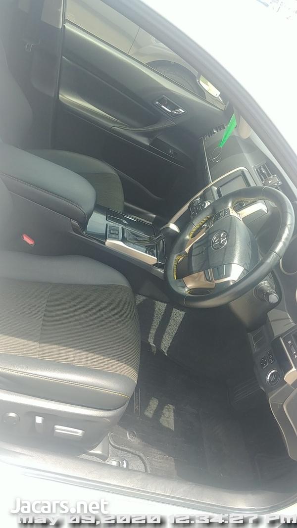 Toyota Mark X 2,5L 2015-15