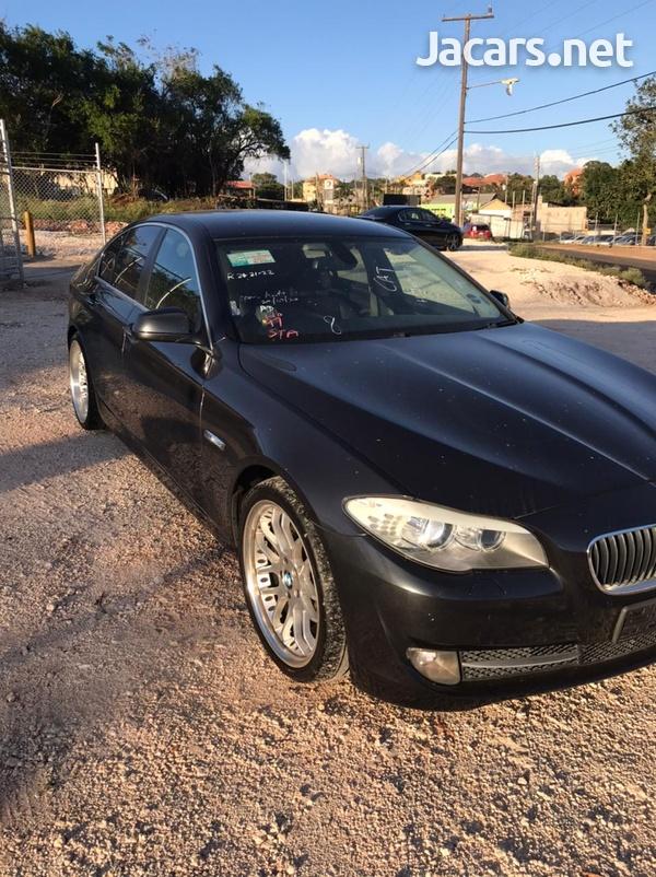 BMW 5-Series 3,0L 2011-1