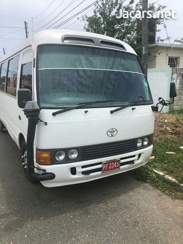 Toyota Coaster Bus 3,0L 2011-1
