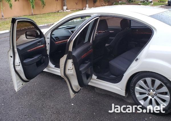 Subaru Legacy 2,4L 2010-6