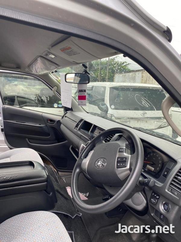 Toyota Hiace 2,7L 2017-6