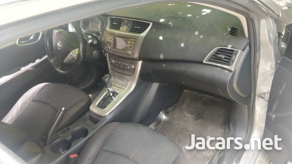 Nissan Sentra 1,8L 2013-3