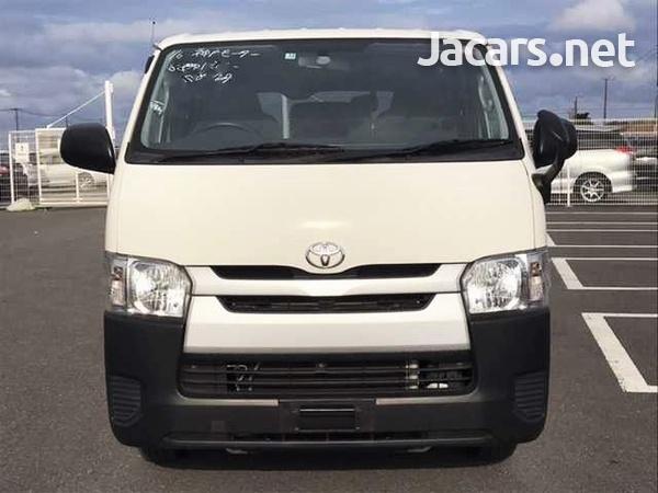 Toyota Regius Ace/Hiace-2
